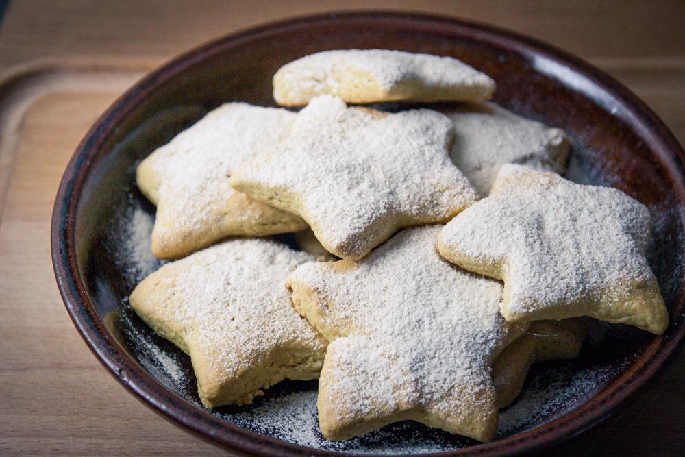 Étoiles des neiges à la fleur d'oranger - biscuits véganes